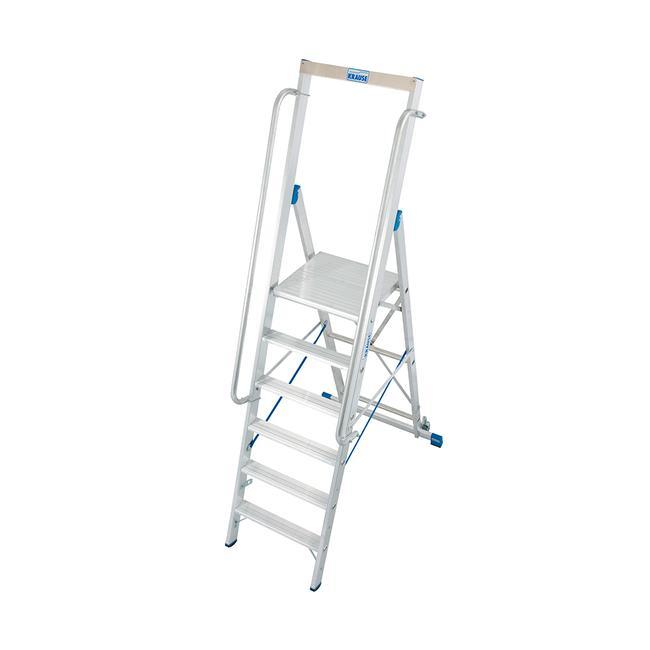 Høj trappestige med stor ståflade